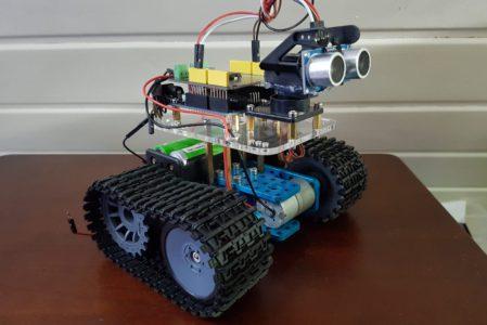 Automatisiertes Kettenfahrzeug